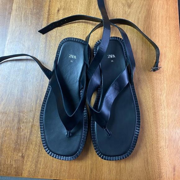 Zara Leather sandals / size 35